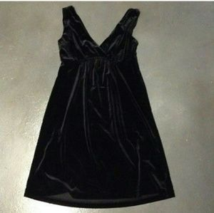 🆕 Black Velvet Mini Dress size M NWT